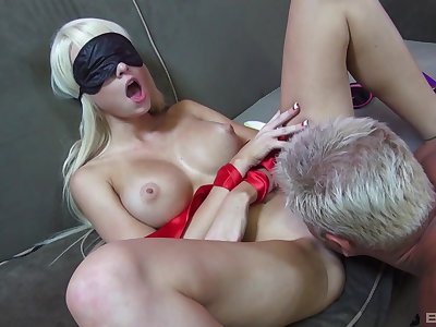 Addictive couch mating with Dan fucking this munificence toddler while she's blind folded