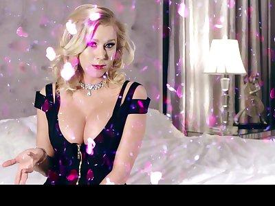Hottest mommy in porn industry Katie Morgan enjoys petals sputter bath
