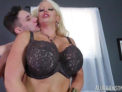 Alura Jenson hot curvy matriarch porn video