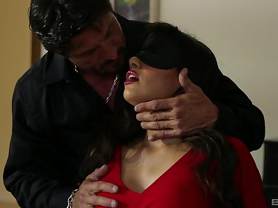 Latina MILF gets intimate just about a pretty special XXX play