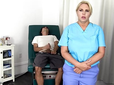 Sensuous, blondie nurse is using every serendipity connected with get screwed, even if she is at resolution