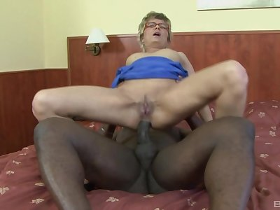 Dirty mature Jessey takes a generous black dick in their way asshole