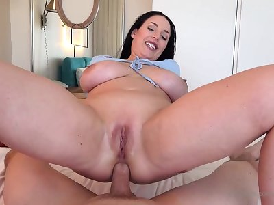 Blue- witnessed dark-haired got down on her knees to fellate jizz-shotgun after object inserted nigh squarely