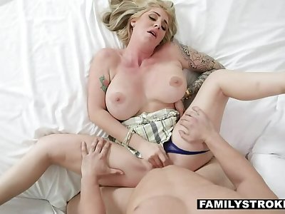 FAMILYSTROKES Lonely Stepmom Spondulix Dames Rides Stepson's Big Cock With reference to Heaven