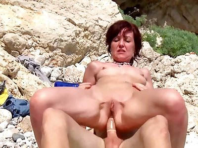 Naughty sexual stake for hammer away naked mature to the fullest in the first place holiday